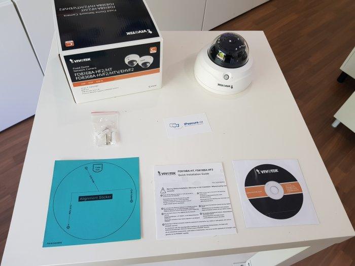 Vnitřní IP kamera VIVOTEK FD816BA-HF2 balení