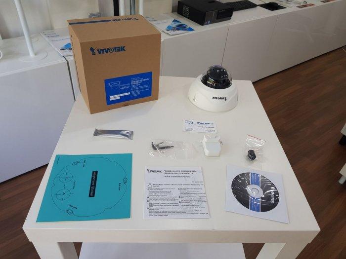 Venkovní IP kamera VIVOTEK FD836B-HTV obsah balení