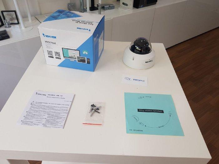 Vnitřní IP kamera VIVOTEK FD9189-H obsah balení