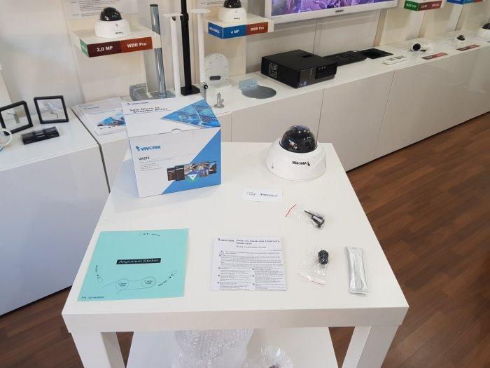 Venkovní IP kamera VIVOTEK FD9387-HV obsah balení