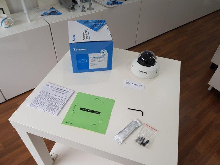 Venkovní IP kamera VIVOTEK FD9389-HV obsah balení