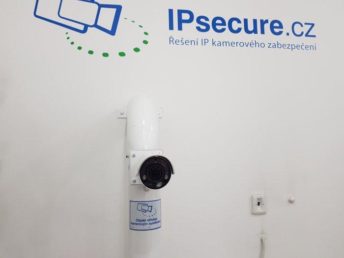 Venkovní IP kamera VIVOTEK IB8377-HT s držákem BR-715